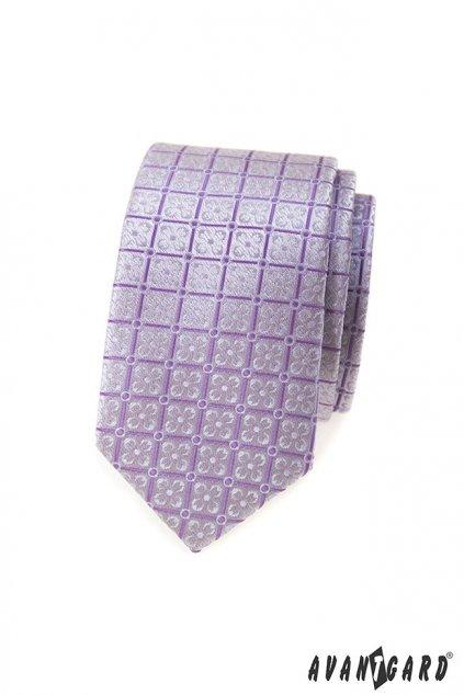 Lila vzorovaná kravata