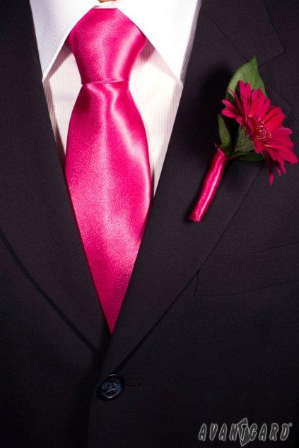 Jednoduchá fuxiová kravata