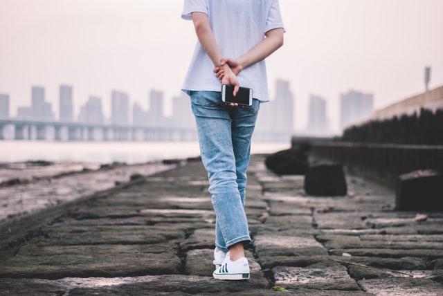 Co jsou to straight džíny a komu budou slušet?