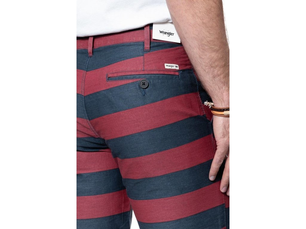 bermudy Wrangler CHINO SHORT CORDOVAN RED