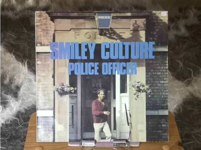 Smiley Culture – Police Officer