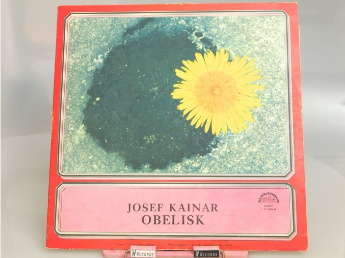 Josef Kainar – Obelisk