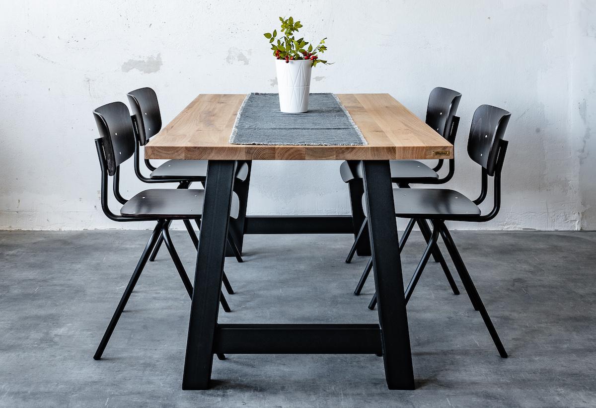 Jak vybrat dokonalý jídelní stůl: velikost, materiál a mnohem více