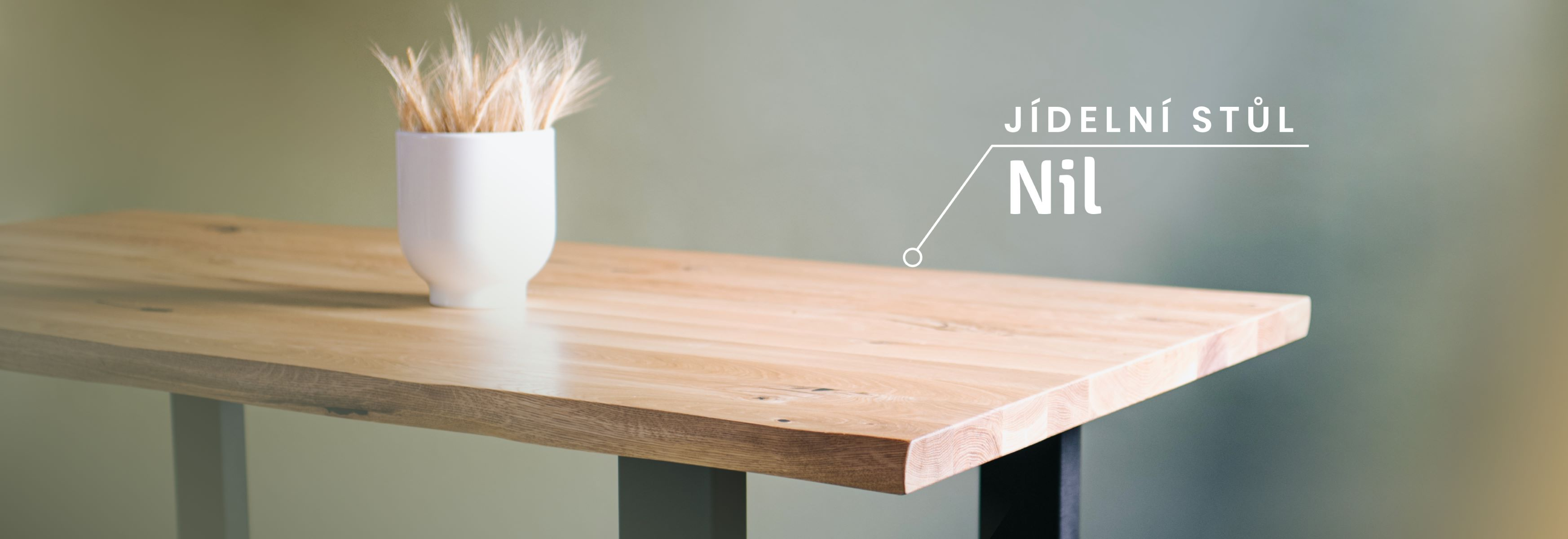Masivní jídelní stůl Nil