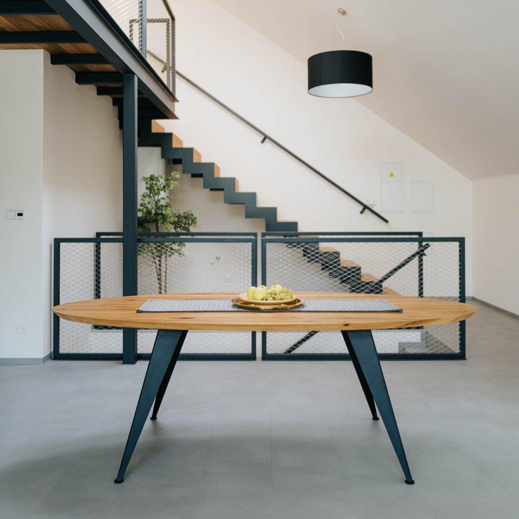Oválný dubový jídelní stůl, industriální dubový stůl, jídelní stůl z dubového dřeva, oválný skandinávský jídelní stůl, oválný jídelní stůl z přírodního dubu