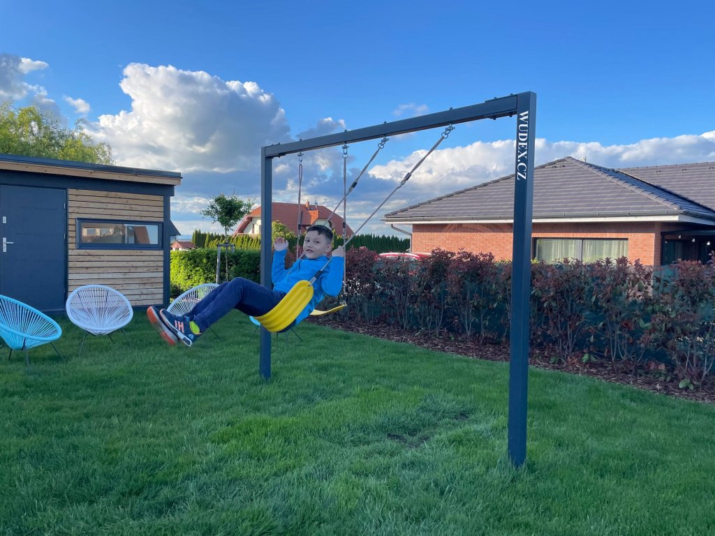 - [x] Construction for hanging children swings