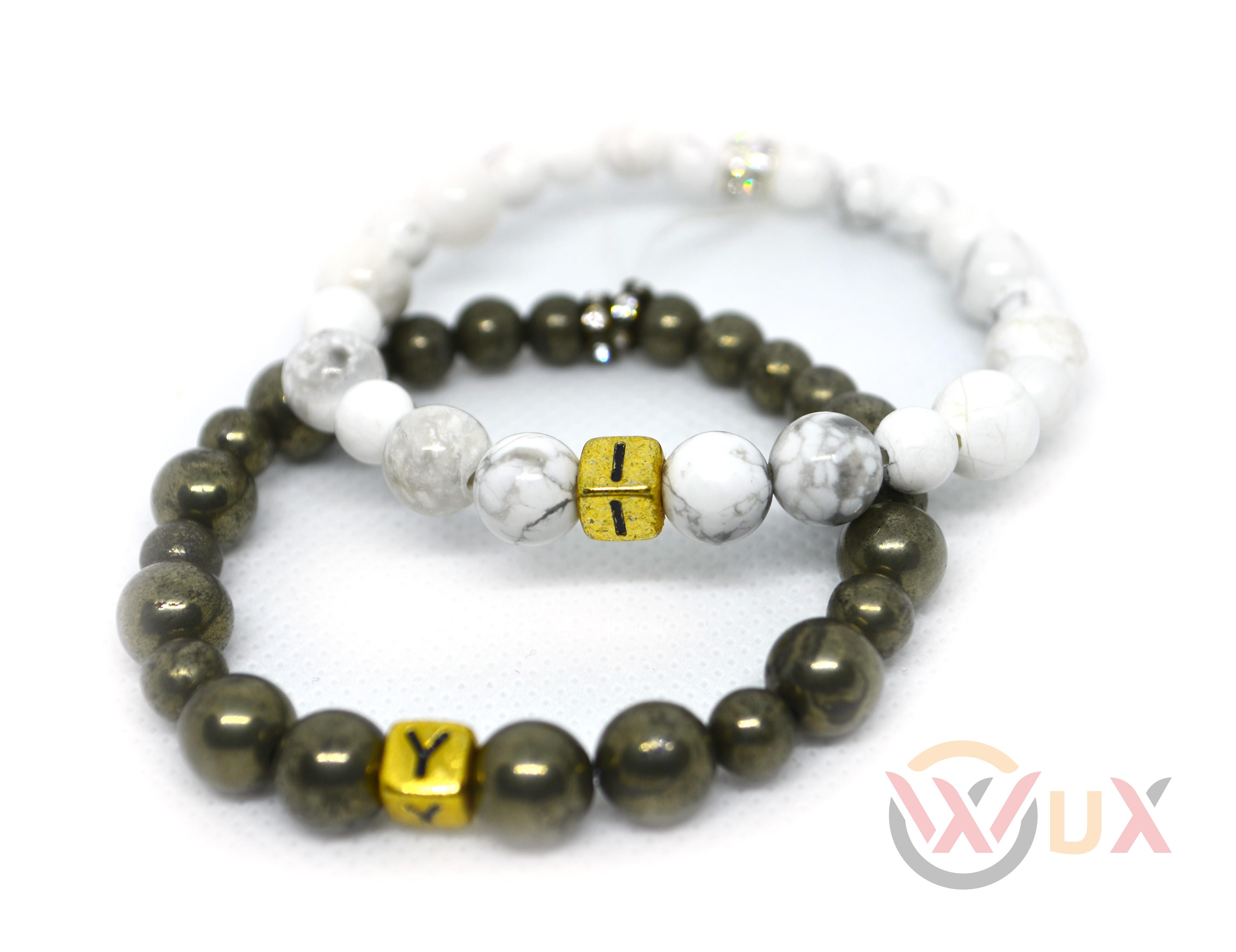 Korálkové náramky iniciály párové - Howlite + Hematite Zlatý