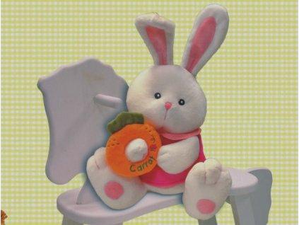 Zajíček v šatičkách s mrkví
