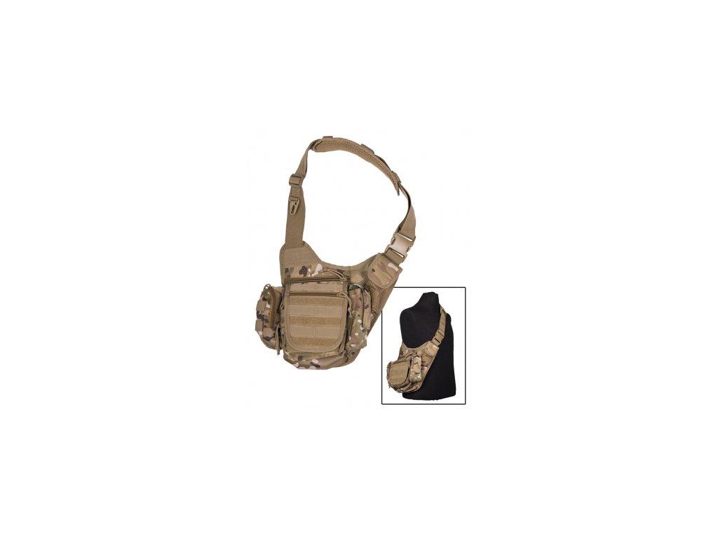Miltec Army taška Sand Camo SLING BAG MULTIFUNCTION  100% polyester, polyvinylchlorid potiahnutý  Polstrovanie: EVA pena  Šírka ramenný popruh: 5,5 cm - široký, nastaviteľný a čalúnený ramenný popruh - niekoľko molle-system-slučky - 3 našité vonkajšie vrecká s hákom a slučkou uzavretie alebo zipsom - náplasť mobil vrecko ďalšie sieťové vrecko - veľké vrecko na zips - hlavné vrecko s snehu zásterou a šnúry zátkou - vnútorné vrecko na započítanie - hákom a povrchom slučky fixovať náplasťou - zadná časť Sling taška s čalúnením - fixácia vrecka na páse suchým zipsom uzáverom