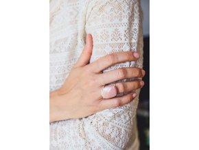 Prsten s kabošonem oranžového achátu