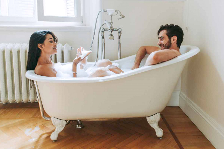 Sex ve vaně: nemusíte k moři, abyste si vychutnali příliv vášně