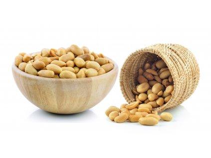 peanuts basket isolated