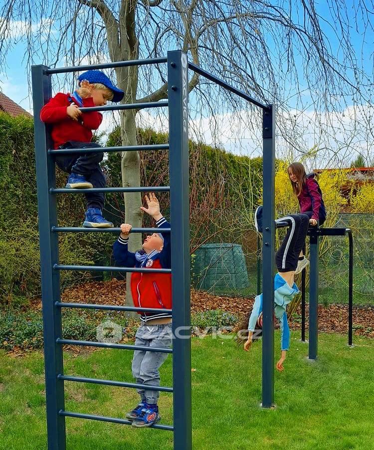Kam s dětmi o víkendu? Vyzkoušejte workoutové hřiště.