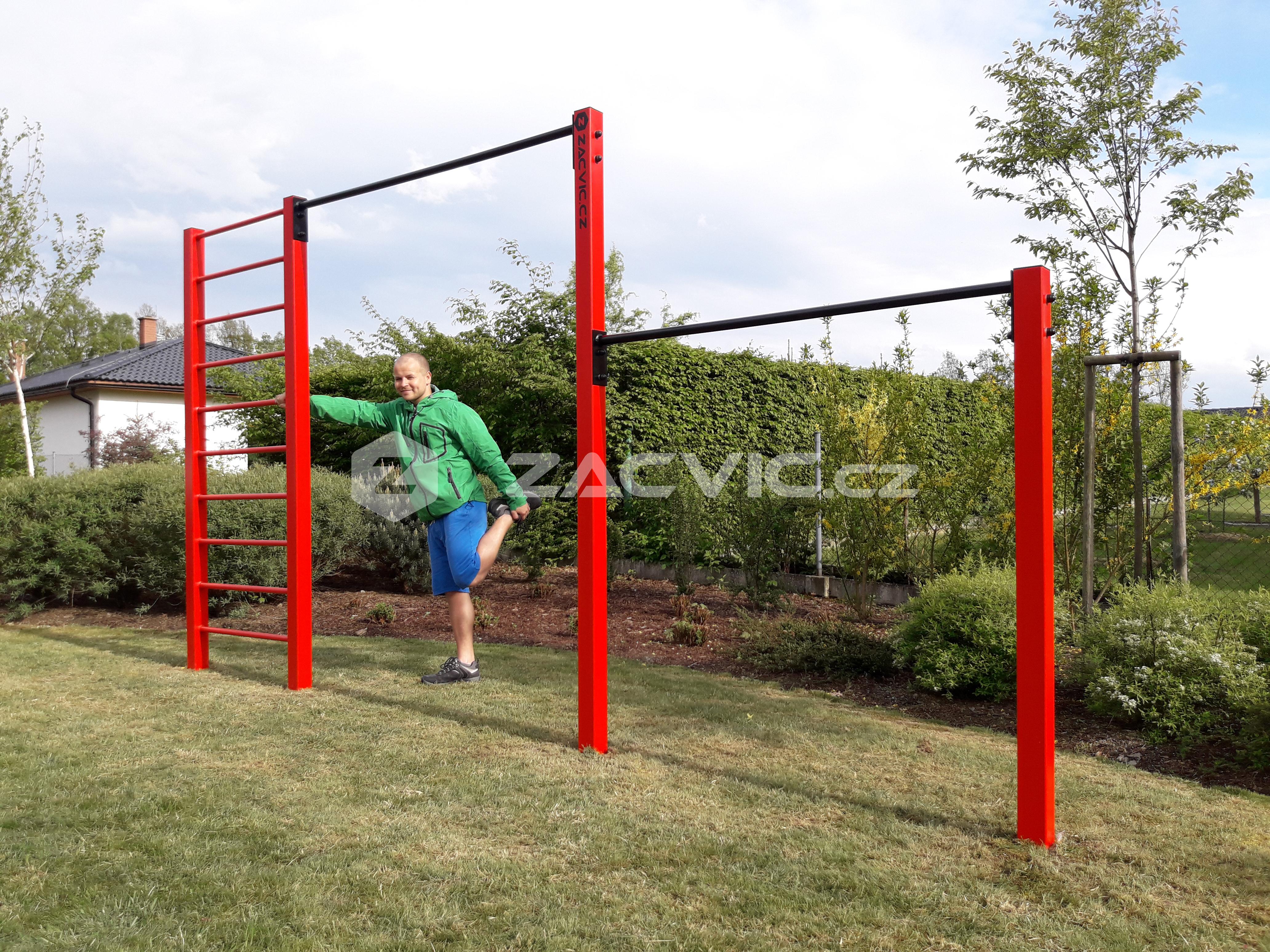 Jak udělat svůj první shyb/přítah na venkovní hrazdě?