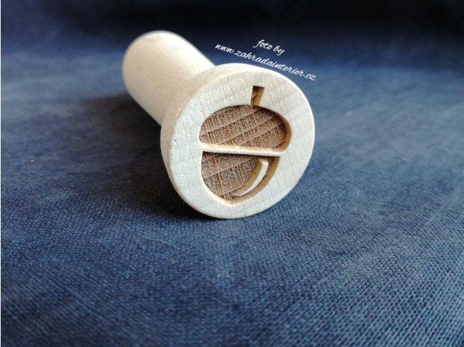 Dřevěné razítko žalud