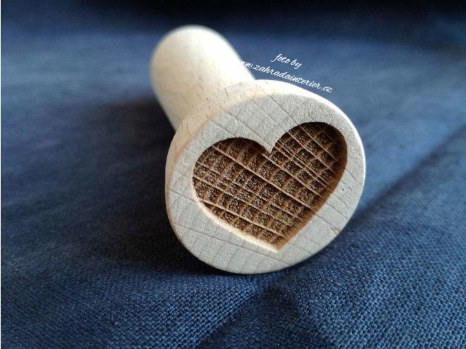 Dřevěné razítko srdce II