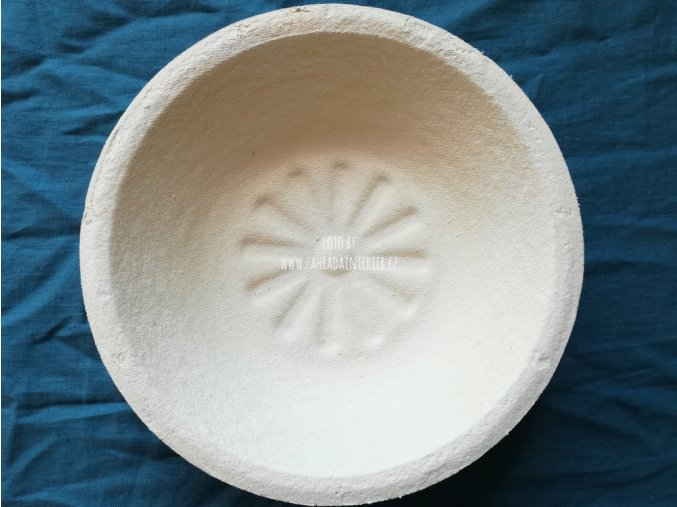 Forma na kynutí chleba, vzor slunce, kulatá  1 kg