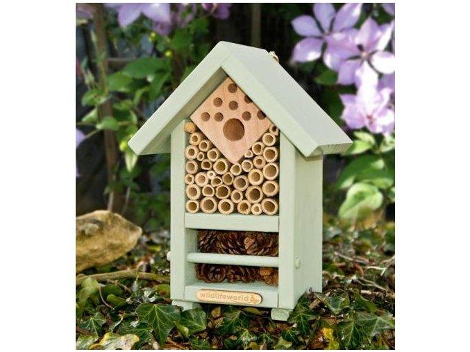 domek pro uzitecny hmyz i vcelky samotarky zelena domacnost