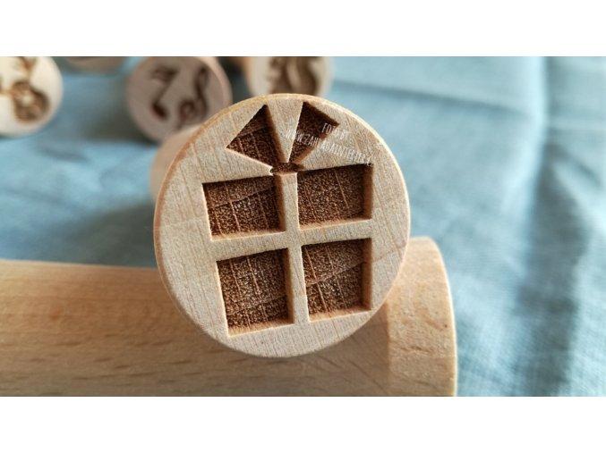 Dřevěné razítko dárek