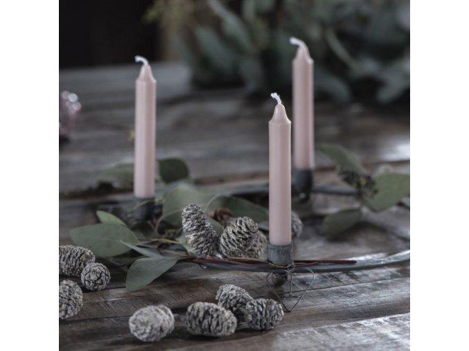 Svícen na čtyři svíčky