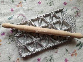 Forma na ravioli tvar trojúhelník na 24 ks
