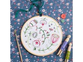 folk blossom embroidery kit 1