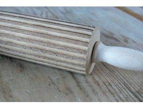 Mini dřevěný váleček  proužek