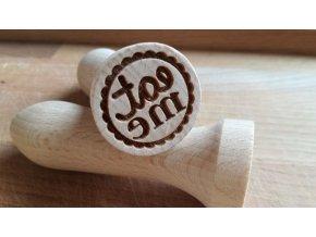 Dřevěné razítko eat me