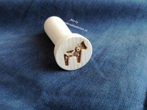 Dřevěné razítko koník