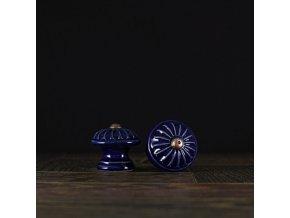 Knopka kobalt malá vzor kopretina