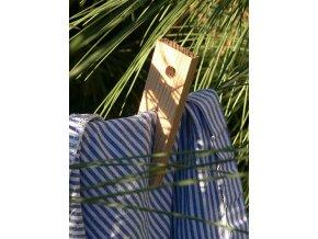 Dřevěný modřínový kolíček retro