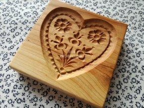 Forma na perník střední srdce
