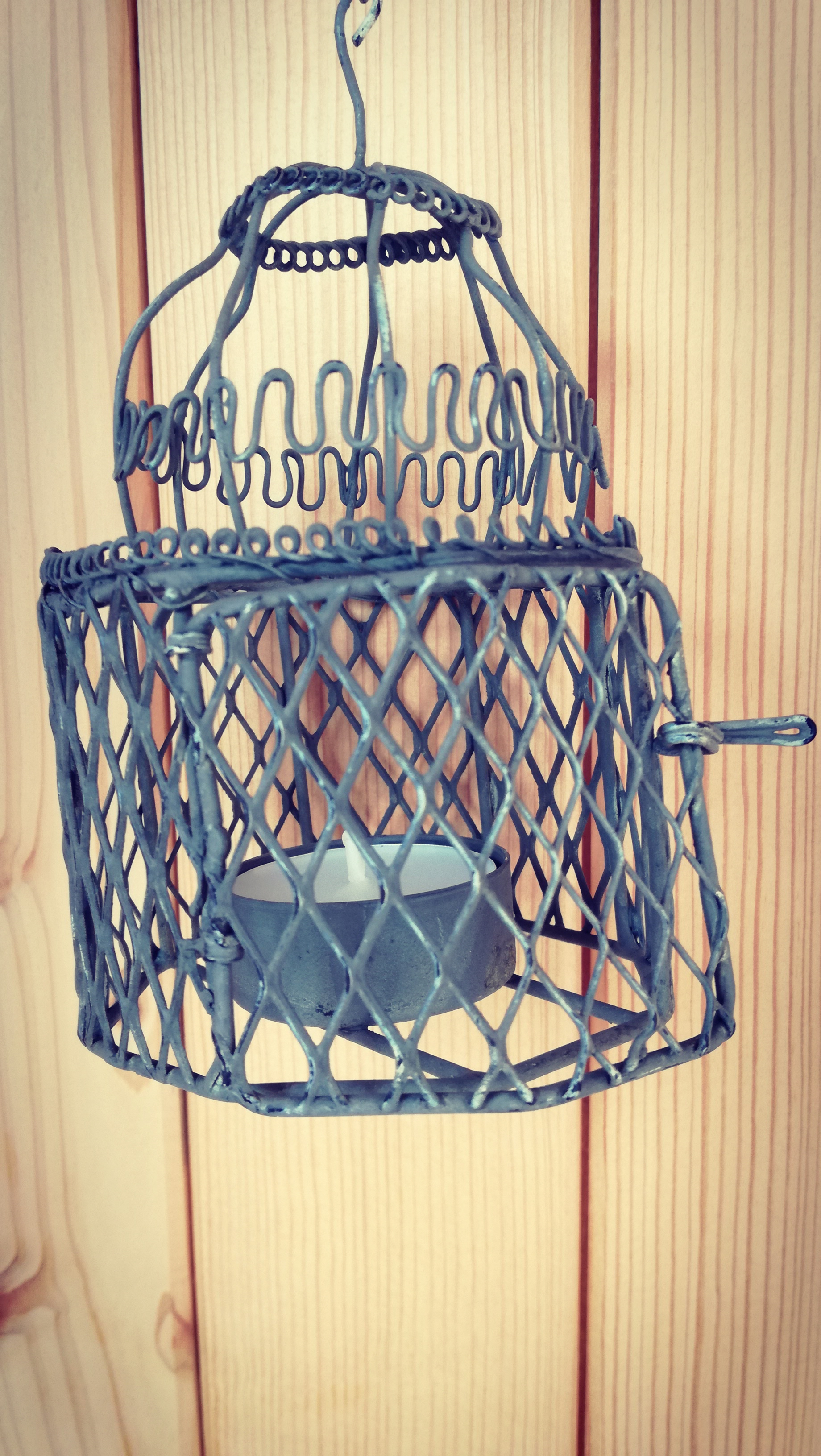 Drátěná lucernička na čajovou svíčku k zavěšení