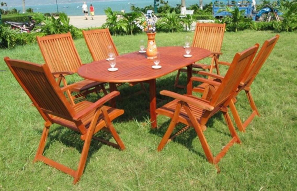 Zahradní nábytek z eukalyptového dřeva