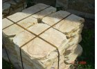 šlapáky z pískovce řezaný 50x50x4