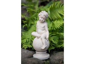 bytové dekorace-zahradní socha, soška dítě na kouli