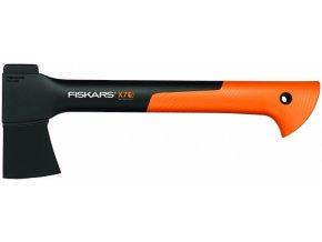 Sekera Fiskars X7 univerzální pro kempování