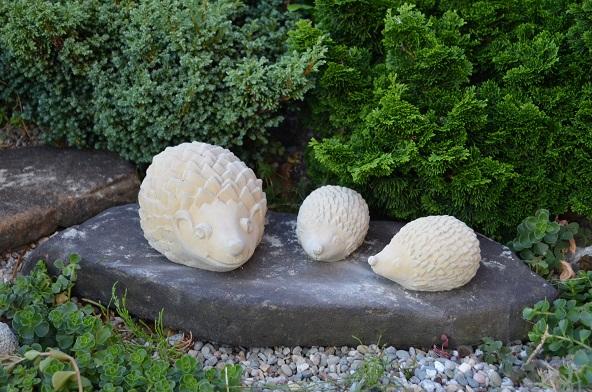 Set zvířata 3 ks ježek velký, 2 ks ježek malý