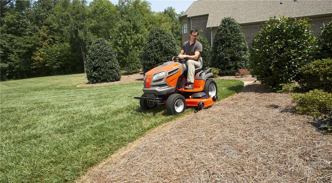 Prečo si vybrať záhradný traktor značky Husqvarna?
