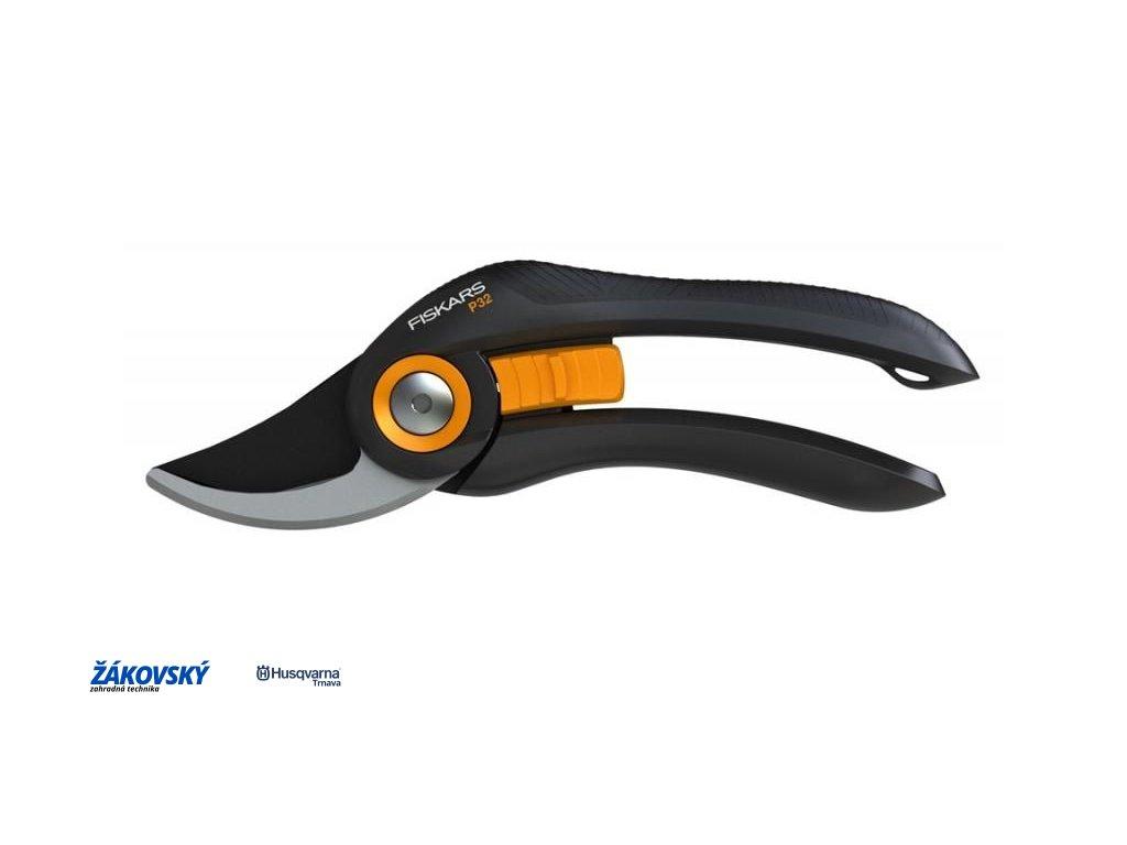 Dvojčepelové záhradné nožnice FISKARS SOLID P32