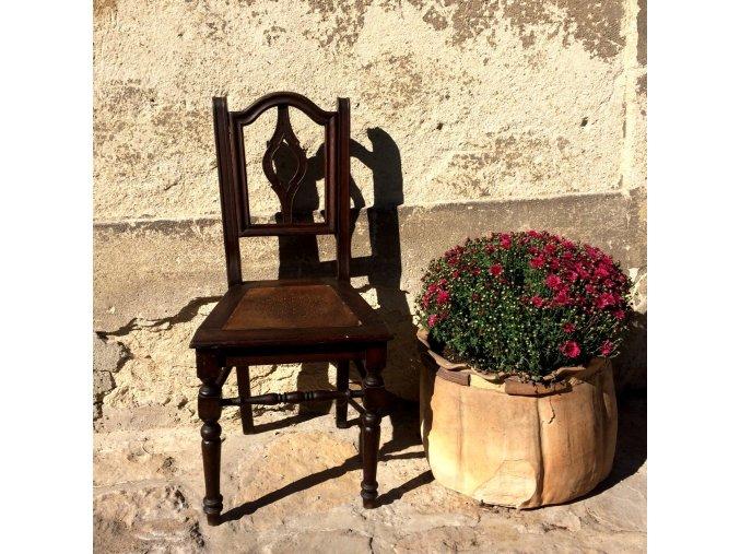 Židle - hnědá