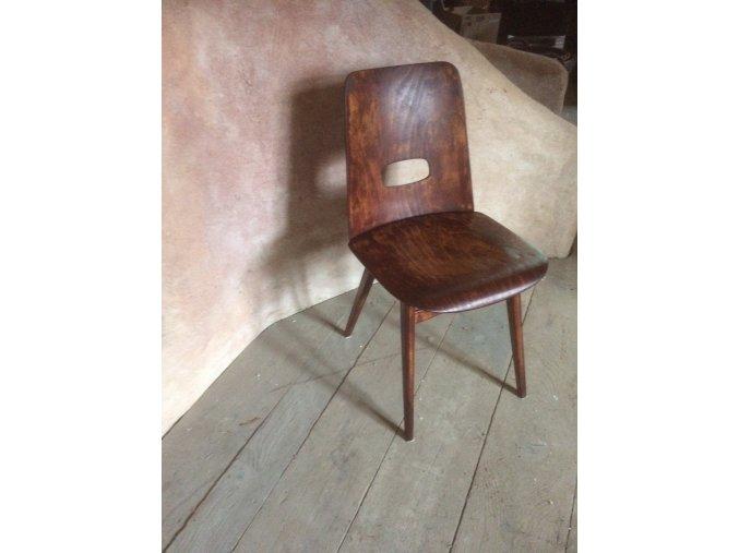 ...Retro židle - Máryna