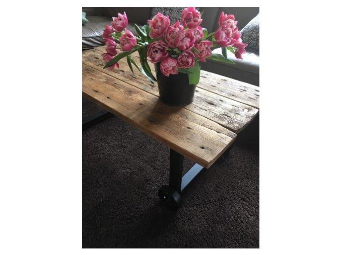 stolek kolečka