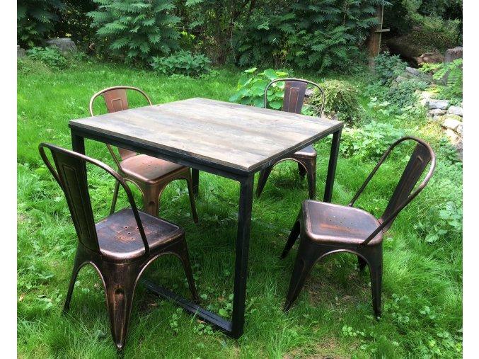 Jídelní stůl - dřevo a kov - čtverec
