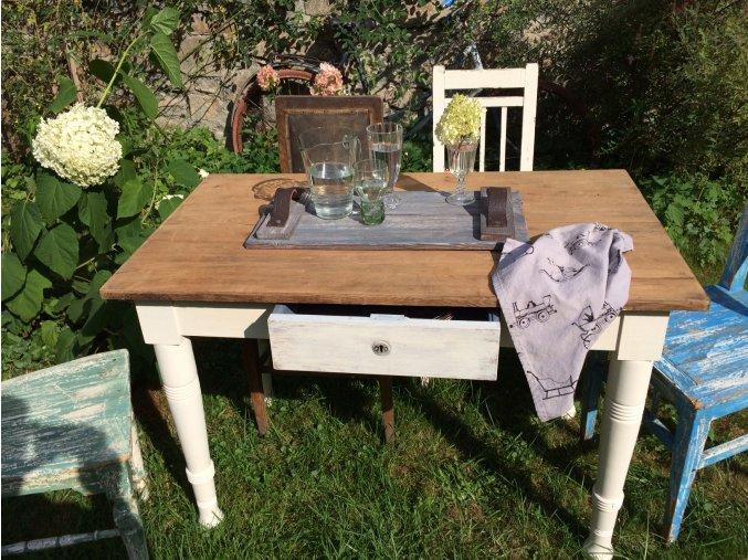 Dubový stůl se šuplíkem