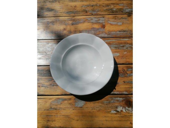 ...Venkovská klasika - tlustostěnný hluboký jídelní talíř