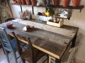 Industriální jídelní stůl - dřevo a kov