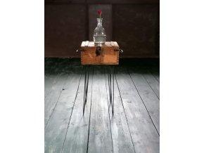 Odkládací stolek -  dřevěná truhla s kovovým podnožím Brusel