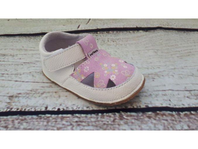 kytickovany sandalky z boku
