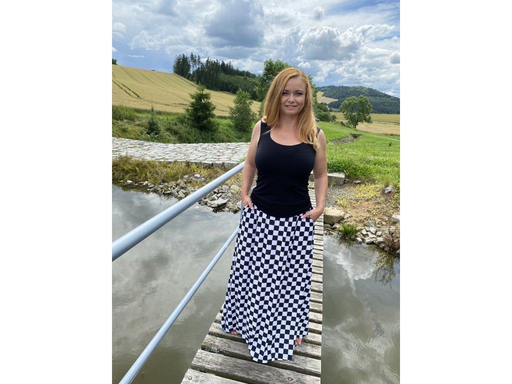Dlouhá sukně - šachovnice